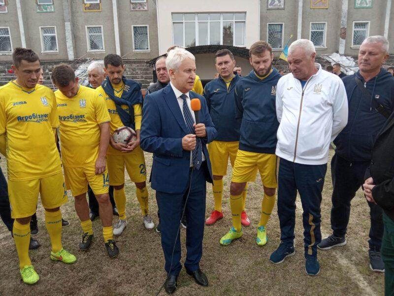 Ветеранська збірна Вінниччини у Жмеринці зіграла проти зірок українського футболу