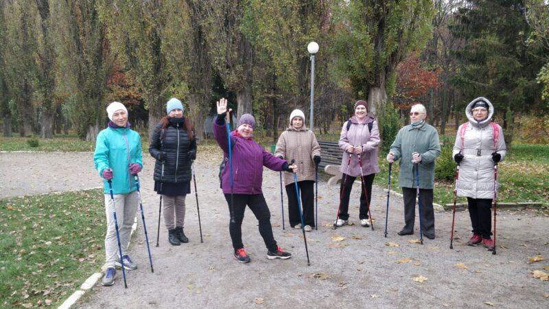 Усіх охочих вінничан навчають скандинавській ходьбі
