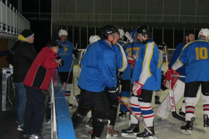 Визначилися фіналісти відкритого чемпіонату Вінниці із хокею з шайбою