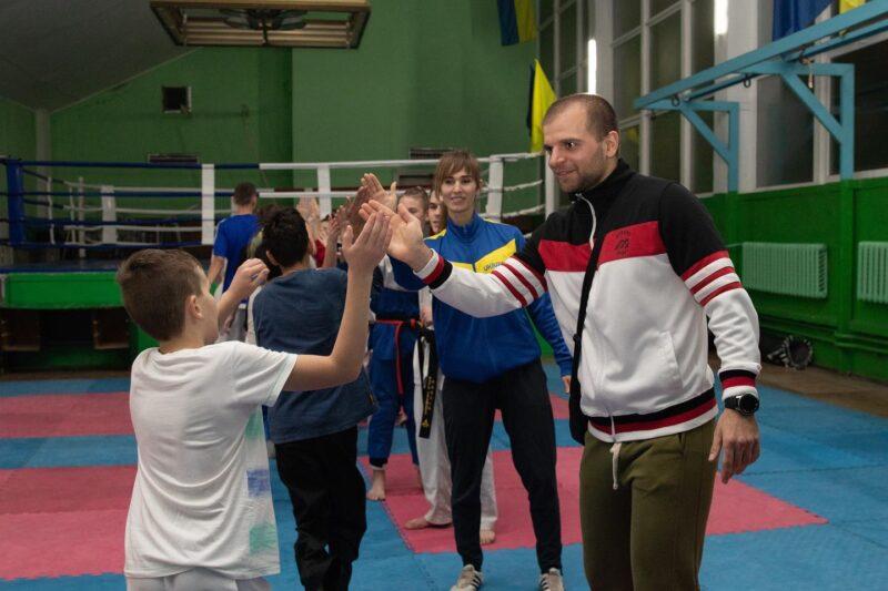 """Аліна Новинюк: """"Хочеться відчувати максимальну віддачу з боку учнів"""""""