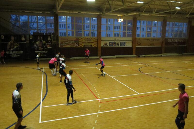 У Вінниці розпочався тур чемпіонату України з гандболу. Господарі майданчику здобули перемогу