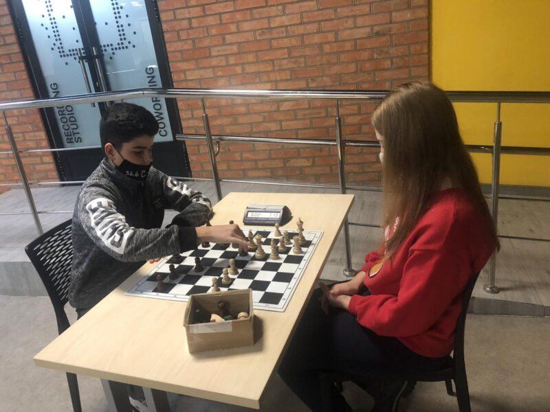 Шахові «романтики» проти збірної Жмеринки: захоплююча зустріч «стінка на стінку»