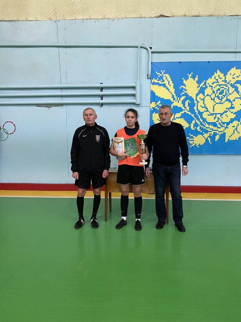 Тріо збірниць України допомогло вінничанкам виграти чемпіонат області у Хмільнику