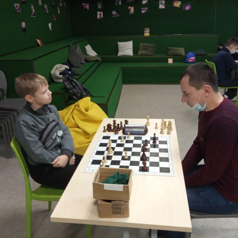 Відкрили рік матчем: юні шахові «романтики» здолали дорослу збірну Липовця