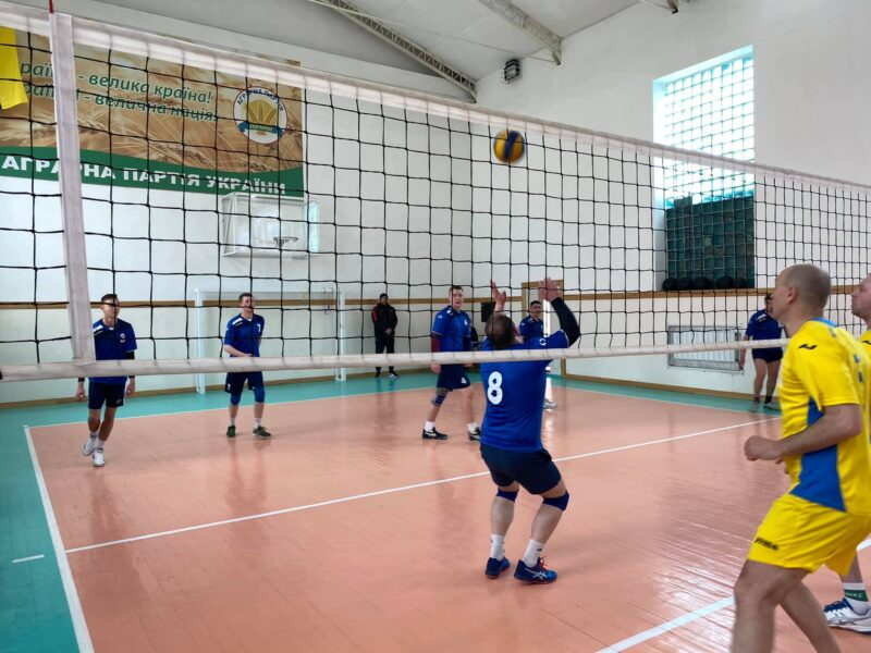 Обласний волейбольний турнір в Ободівці виграли ветерани Вінниці